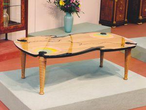 Art. 232, Petite table de salon en bois polychrome