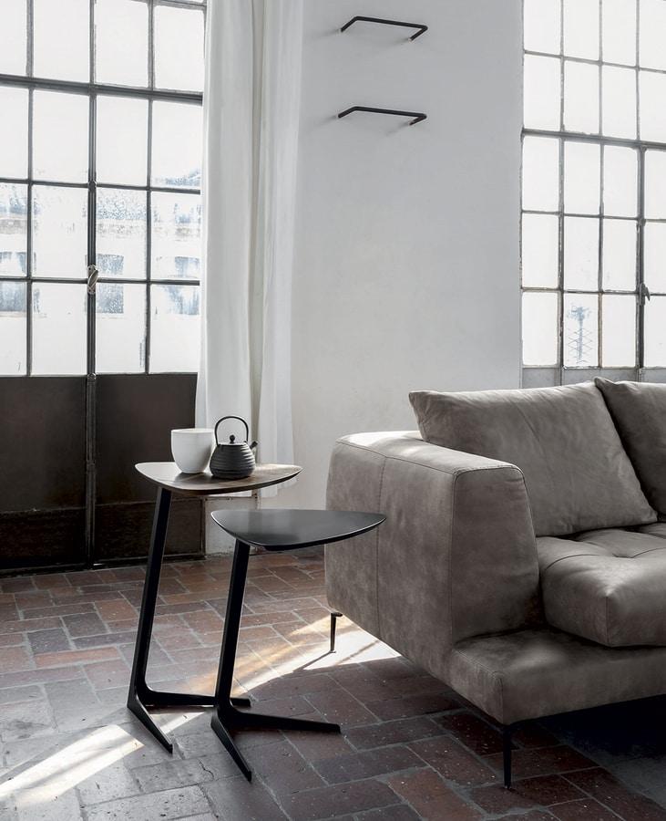 CELINE, Table d'appoint avec base en métal peint, plateau en chêne massif ou laqué