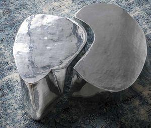 Otto, Table basse en fonte d'aluminium poli et brossé