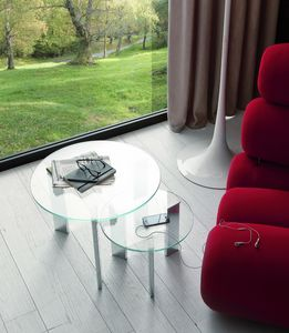 t118 duo, Paire de petites tables avec plateau en verre rond