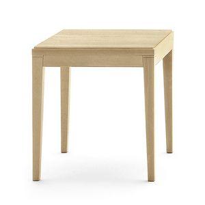 Toffee 810, Table bas carrée avec structure en hêtre, plateau en placage de hêtre, de style moderne