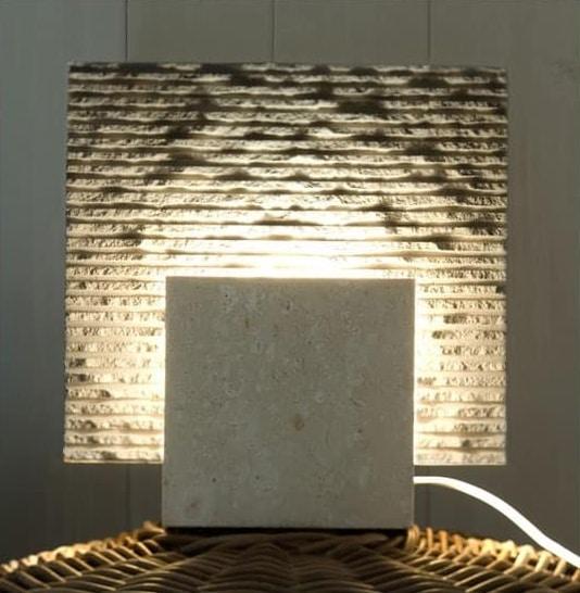 Reflex Stone, Lampadaire en pierre, forme cubique