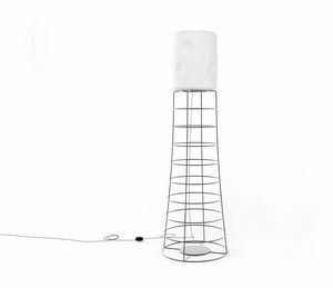 ET, Lampe à tige de fer, abat-jour en plastique