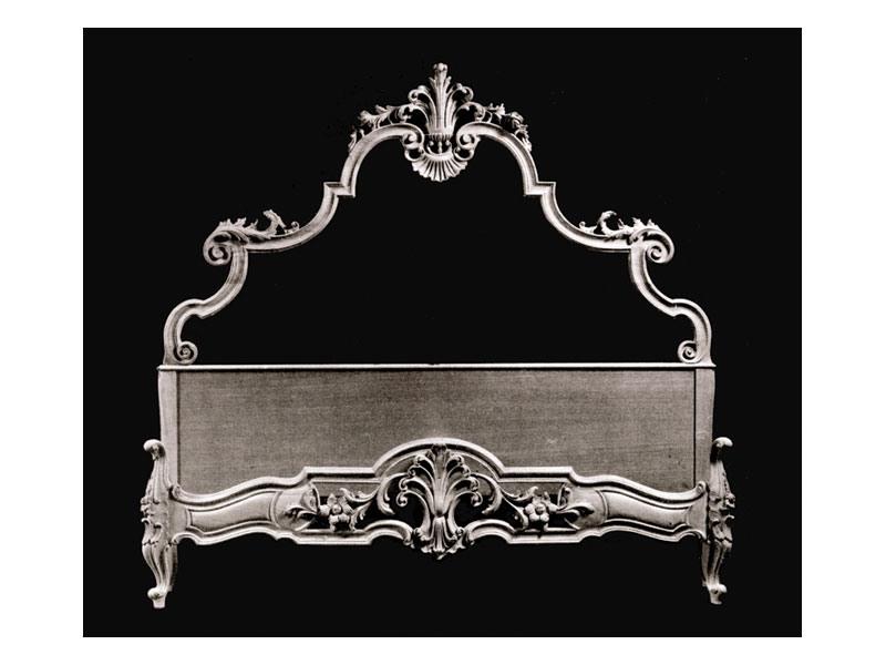 Bed art. 75/b, Lit de style classique avec tête et pied en bois