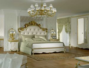 Botticelli lit, Lit de style classique, avec tête de lit sculptée