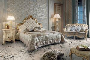 Elisabeth lit, Lit luxueux avec tête de lit sculptée