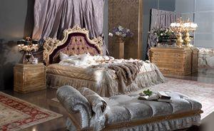 Esimia lit, Lit de style classique avec tête de lit en soie et velours