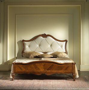 G 703, Lit en bois marqueté, avec tête de lit rembourrée