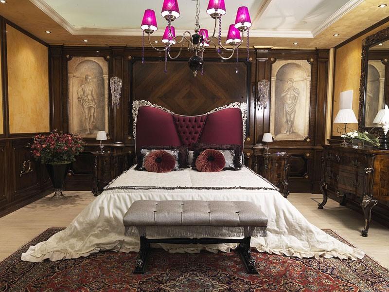 Gigli bed, Lit de luxe avec tête de lit rembourrée, style classique