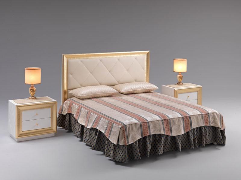 Jolie bed, Lit avec tête de lit rembourrée, recouvert de faux cuir, pour les salles prestigieuses