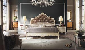 R67 / lit, Lit avec de précieuses décorations artisanales
