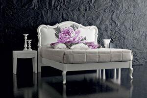 Art. 21001 B, Lit blanc, avec imprimé floral sur la tête de lit