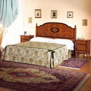 Art. 809 Rosone, Lit avec tête de lit incrustée