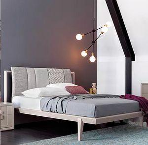 Aurea, Lit avec tête de lit rembourrée à panneaux
