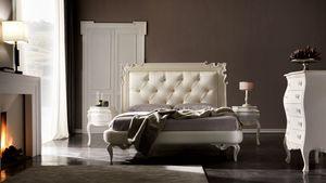 Juliette Art. 953, Lit avec tête de lit sculptée