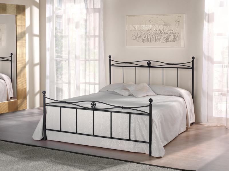 Double bed Albatros, Lit en tubulaire de fer avec des décorations florales, design rétro
