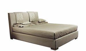 Rossocremisi, Lit disponible avec broderie sur la tête de lit
