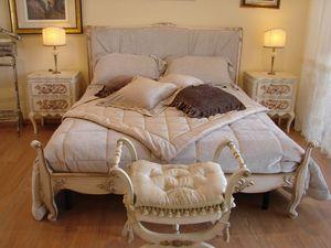 Abbon, Lit classique pour des chambres d'hôtel, de style Louis XV