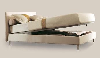 Astro, Lit avec structure en bois, pieds en aluminium