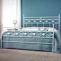 Double bed Incanto, Lit double de fer avec des décorations classiques