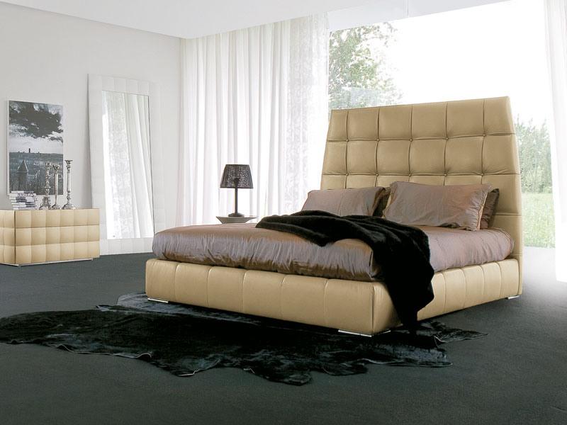 PACIFICO, Lit recouvert de cuir, pieds chromés, pour chambre