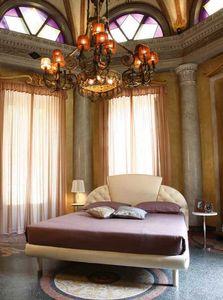 Prestige, Lit rembourré traditionnel, tête de lit avec 3 panneaux, pour les hôtels