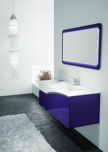 FLY 04, Meuble pourpre et blanc pour la salle de bain