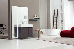 Tender comp.05, Mobilier de salle de bain monobloc avec miroir