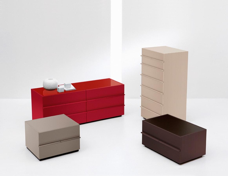 AKI chest of drawers, Commode de style moderne et minimaliste, pour Chambre