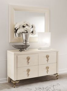 George commode, Commode � tiroirs bossages, poign�es de fer