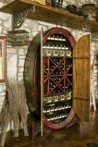 Art. 608, Armoire de rangement pour bouteilles, en forme de tonneau