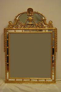 MIROIR AVEC CYMA ART. CR 0061, Miroir avec Cyma, doré, sculpté à la main