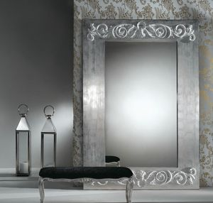 Art. 20752, Miroir avec des décorations sur le cadre
