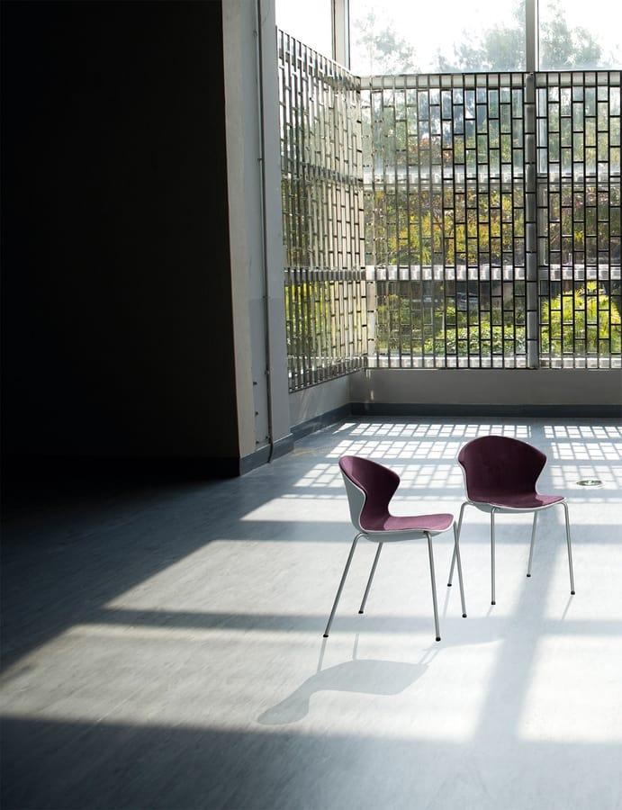 COVER S, Chaise en plastique avec pieds chromés