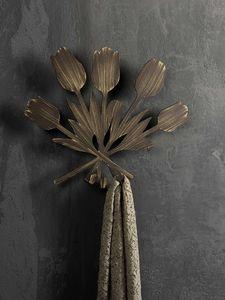 Bouquet pat�re, Accrochage au mur en m�tal, dans un style moderne