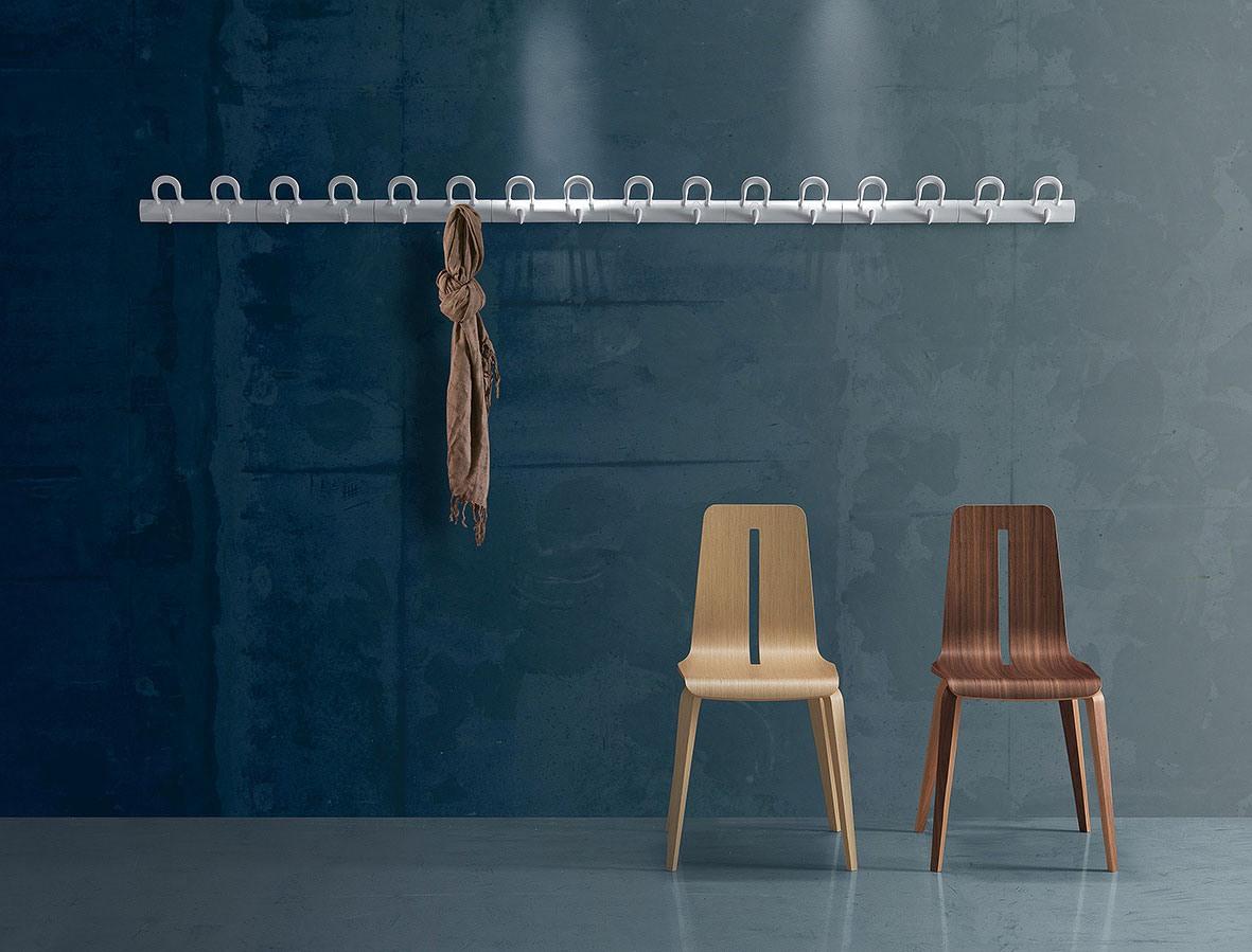 Duo wall-mounted coat-hooks, Manteau mural modulaire en polymère