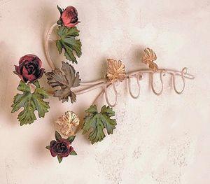 PC.6355/4, Cintre avec décorations florales