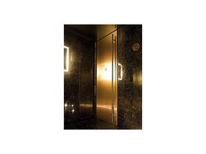 Fusion, Portes avec finition laque noire, pour salles de bains et un bar de l'hôtel