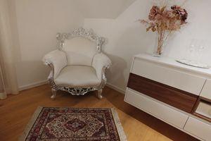 Finlandia Tissu, Classique fauteuil de style alternatif avec des jambes sculptées