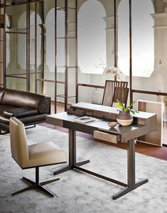 Florence Bureau, Bureau avec tiroirs et rabat, dessus en cuir