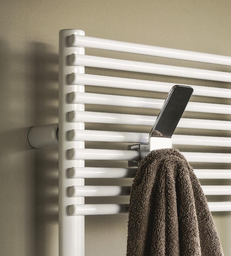 Bath 14, Radiateur pour salle de bain, disponible en différentes couleurs