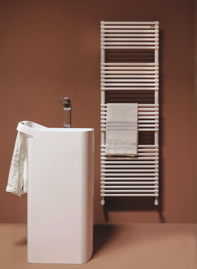 Bath 20, Radiateur chromé pour salles de bains, disponibles en différentes tailles