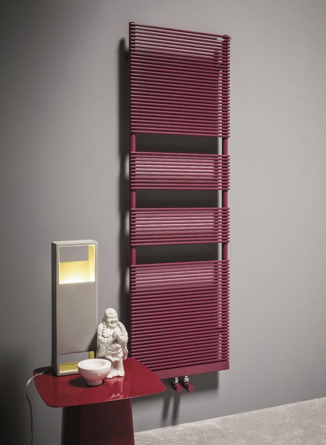 Color X, Chauffe-serviettes en acier au carbone, différentes couleurs