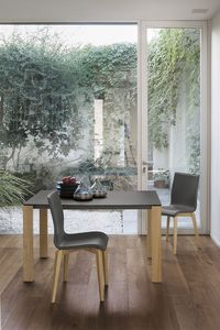 SOLE 110 WOOD TA181, Aluminium table extensible avec des jambes en bois massif, plateau en verre trempé