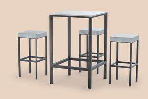 FT 044 / H110, Table haute en métal peint, avec des pieds anti-dérapants
