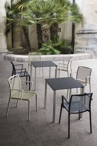 Claro, Table avec base en métal, plateau en laminé, pour les bars