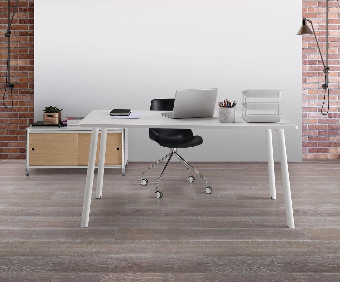 Newton, Table avec plateau en mélaminé