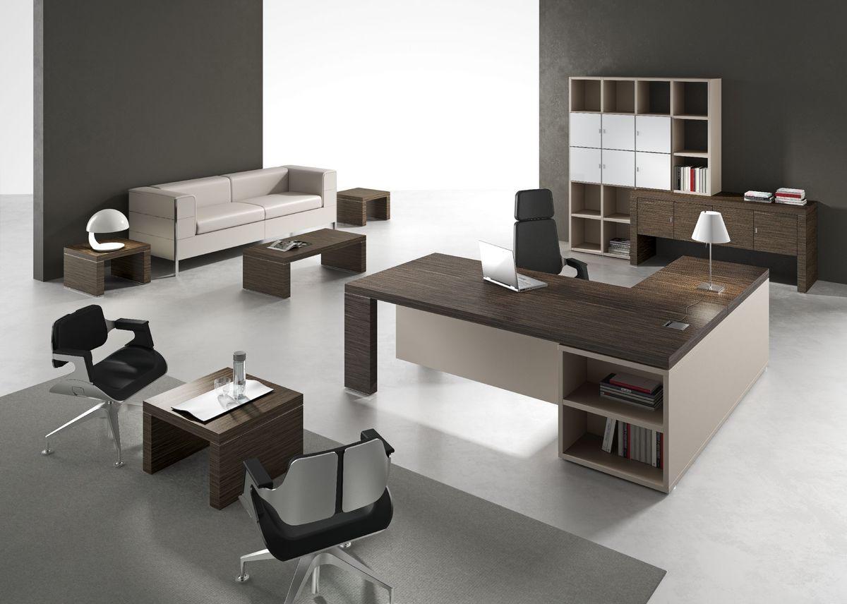 Les tables de bureau dans un style moderne bois de différentes