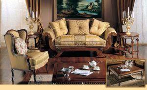 3285 SMALL TABLE, Table basse sculptée à la main pour les salons de luxe classiques