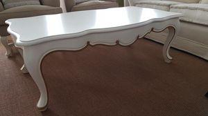 3500 Table basse, Table basse laqu�e blanche, style classique